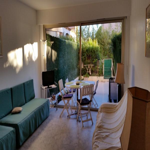 Location de vacances Rez de jardin Juan les Pins 06160